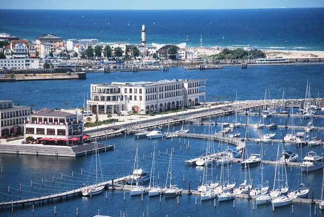 Aerial_view_Yacht_Harbour_Residence_Rostock_Yachthafenresidenz_Hohe_Dne_1