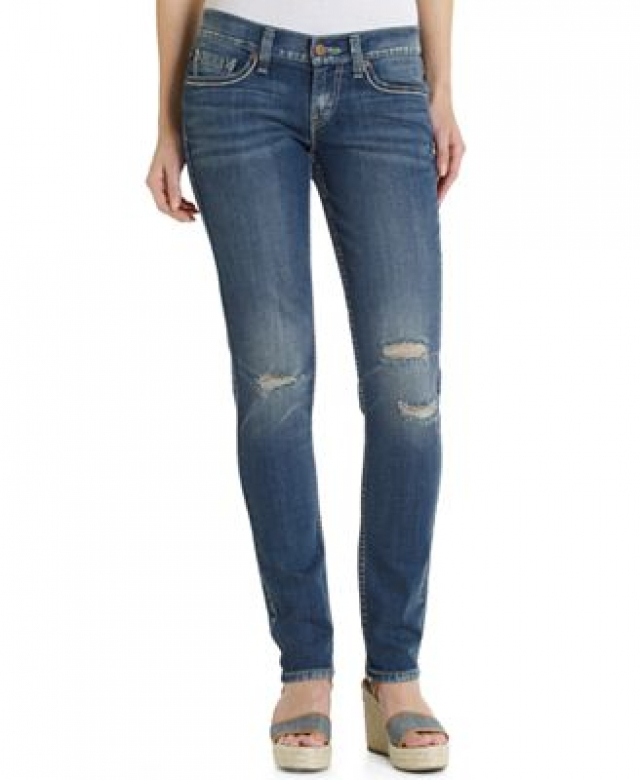 levis_ripped_jeans