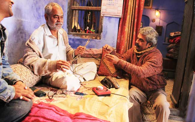 Sanjay Mishra playing Babuji