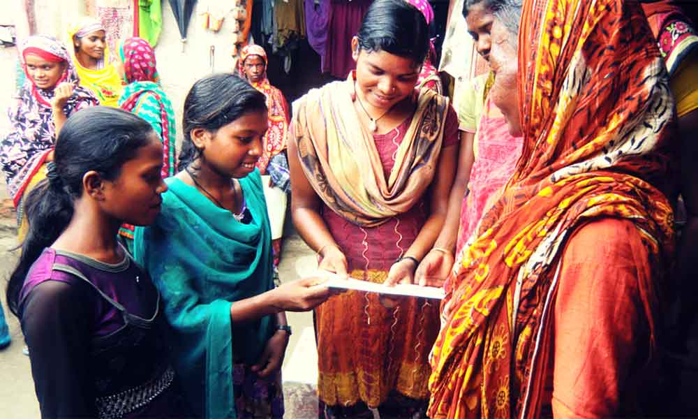 Bihar girls teaching family planning