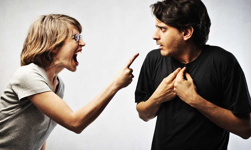 woman-angry-on-man