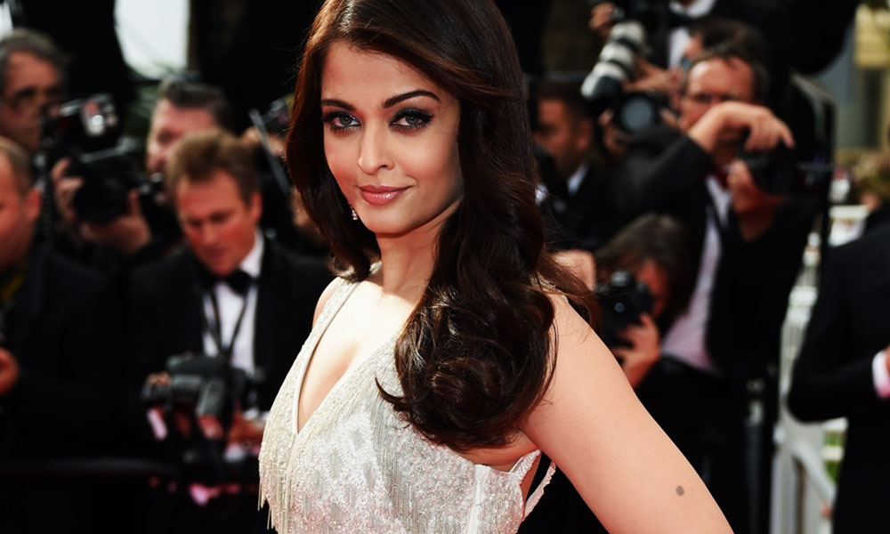 aishwarya-rai-at-cannes-film-festival