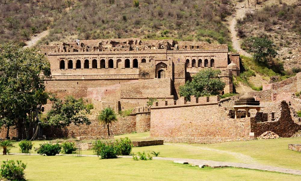 Bhangarh Fort Is Haunted By Ghosts
