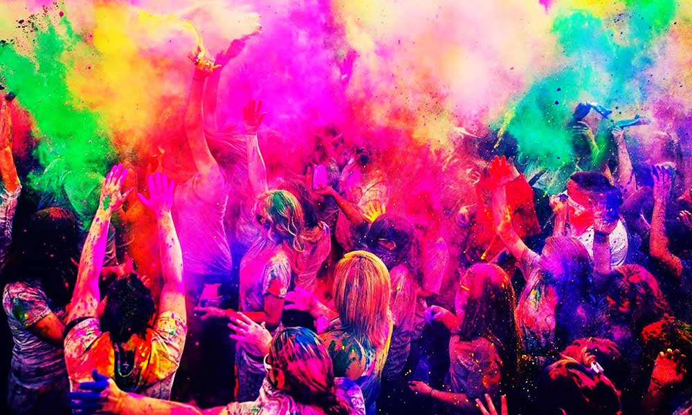 First Time Holi Delared Official Holiday in Pakistan