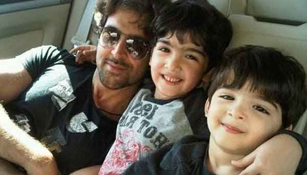 hrithik-roshan-with-his-kids