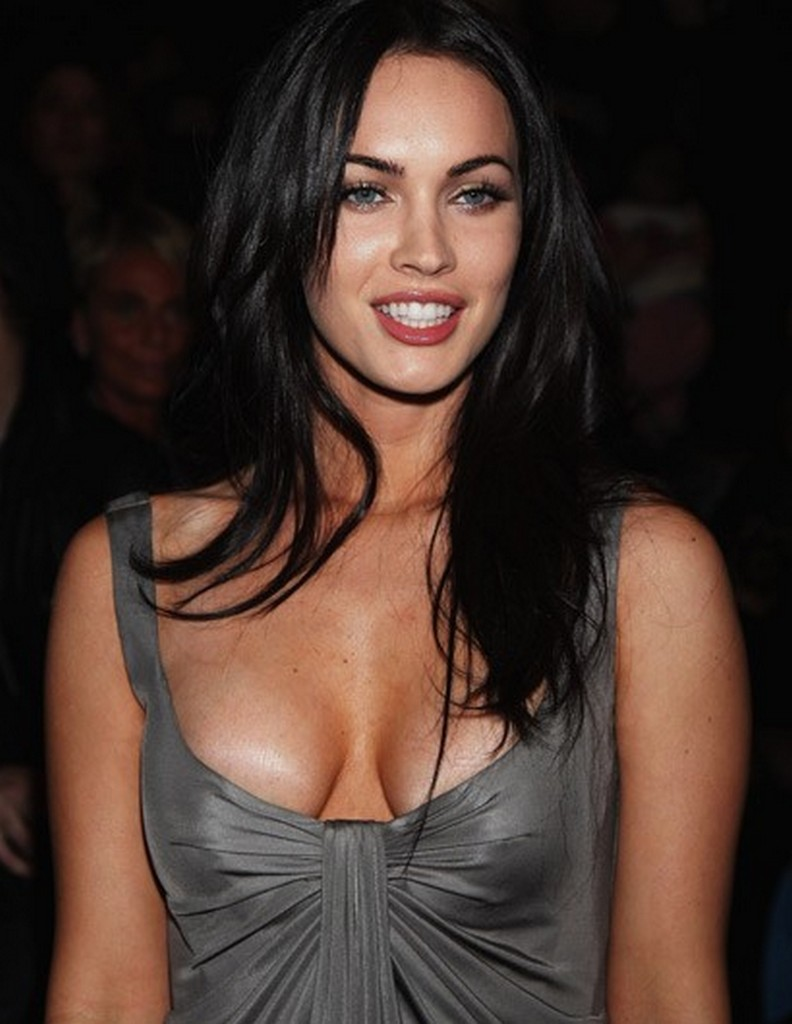 Megan-Fox_no_bra