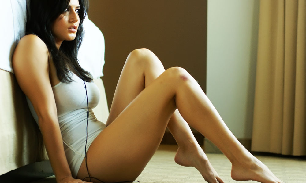 Sexy Legs Of Bollywood Actresses