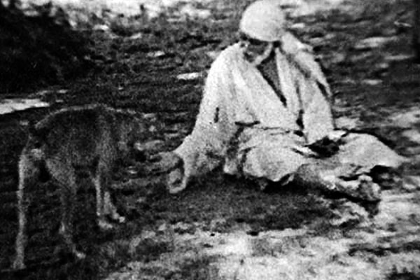 shirdi_sai_baba_with_dog