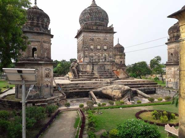 मेंढक मंदिर