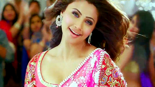 2hy3gqw6tp5dq1rs.D.0.Daisy-Shah-Jai-Ho-Movie-Photocopy-Song-Photo