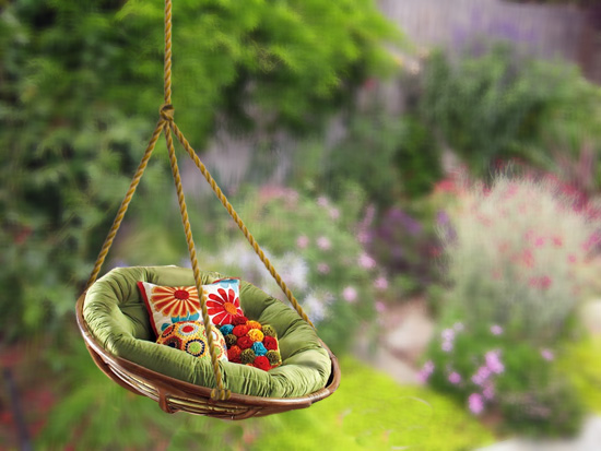 tree-swing-made-of-round-chair