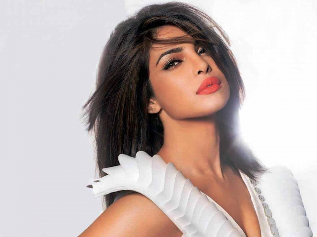 priyanka-chopra-wallpaper