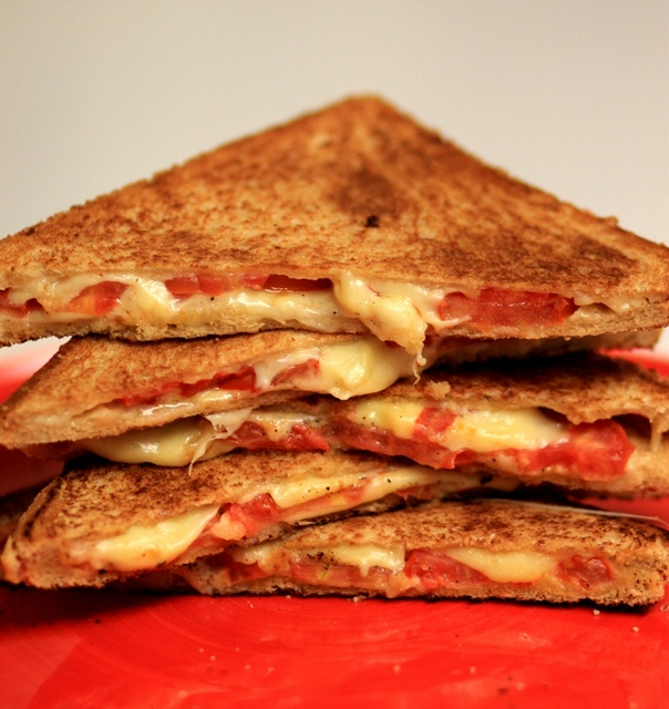 Grilled-cheese-sandwich-2