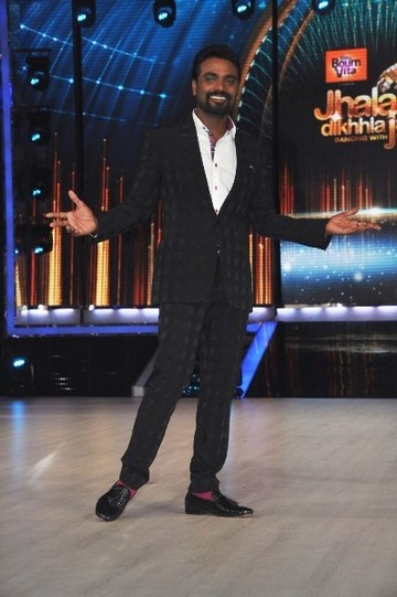 buahi1a3i5x62nm8.D.0.Ace-Choreographer-Remo-DSouza-at-the-first-look-launch-of-JHALAK-DIKHHLA-JAA-Season-6--2-