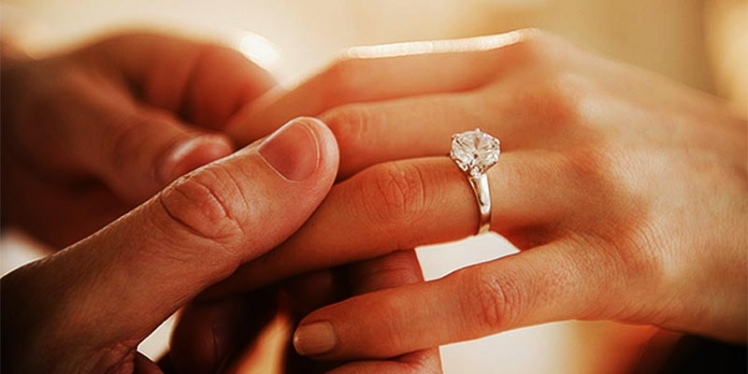 woman-engagement-ring