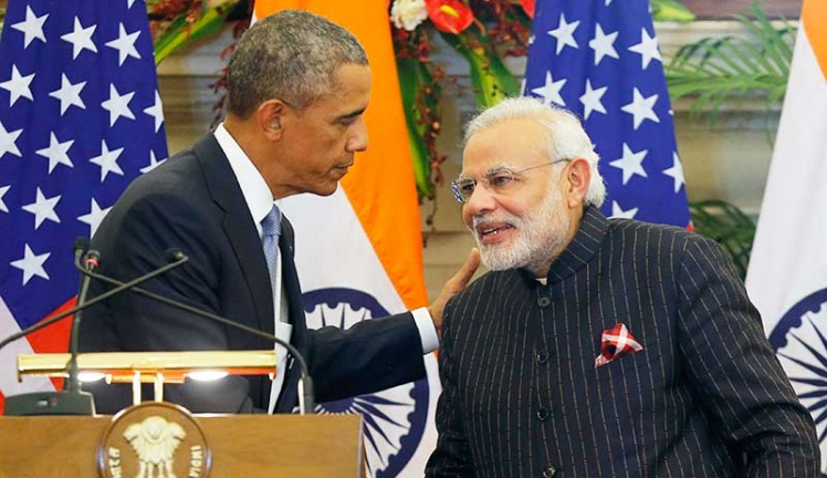 indias-prime-minister-wore-a-suit-with-his-own-name-written-on-it-hundreds-of-times-to-greet-president-obama