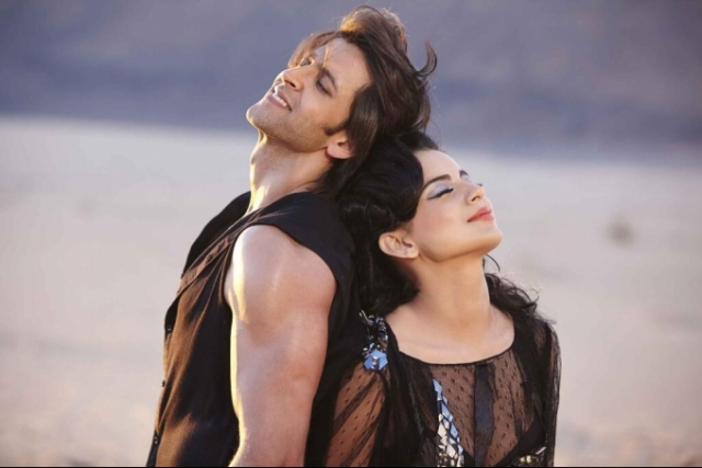 hrithik-roshan-kangna-ranaut-still-from-film-krrish-3-song-dil-tu-hi-bata_138008717600