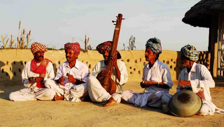 folk-music-at-rann-utsav