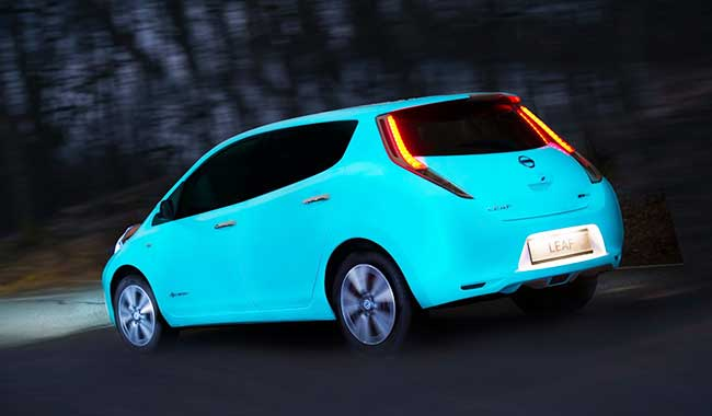 Nissan's glow in the dark car