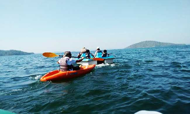 Kayaking in bhadra river