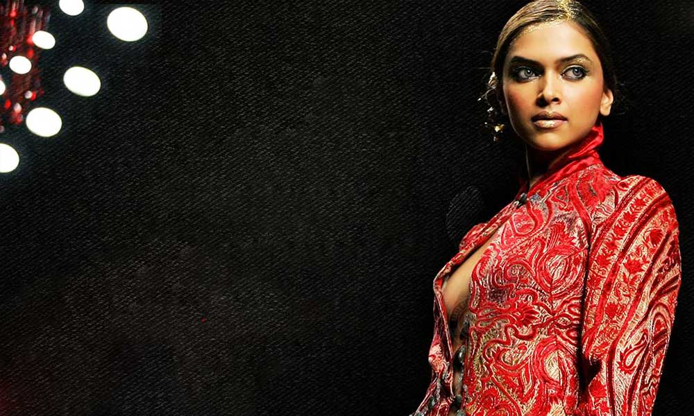 deepika-padukone-visible-hot-pic