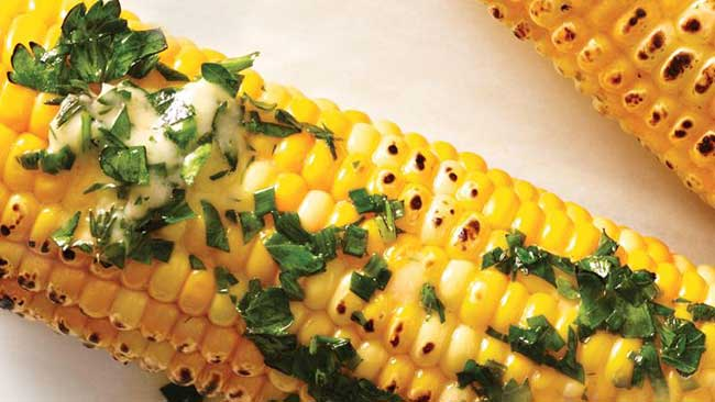 Corn-On-The-Cob-With-Sauce