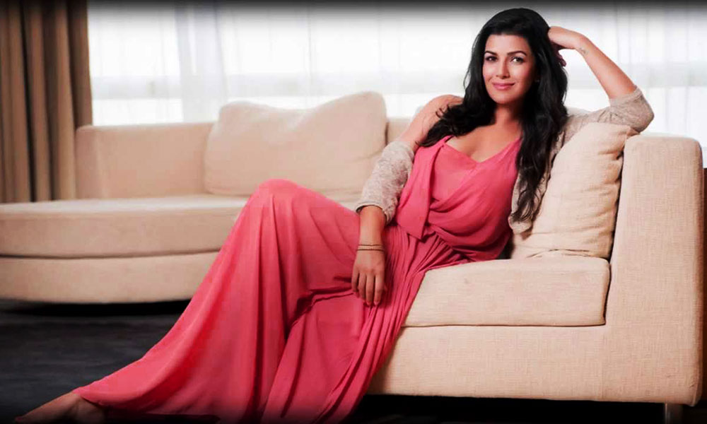 feature-nimrat-kaur