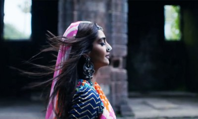 feature-sonam-kapoor-coldplay-2
