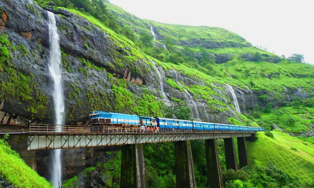Best-Destinations-Near-Mumbai-This-Monsoon