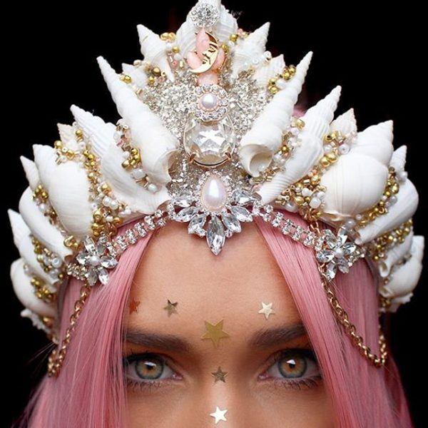 Chelsea's Flower Crowns Are The Mesmerizing Thing you Will ...
