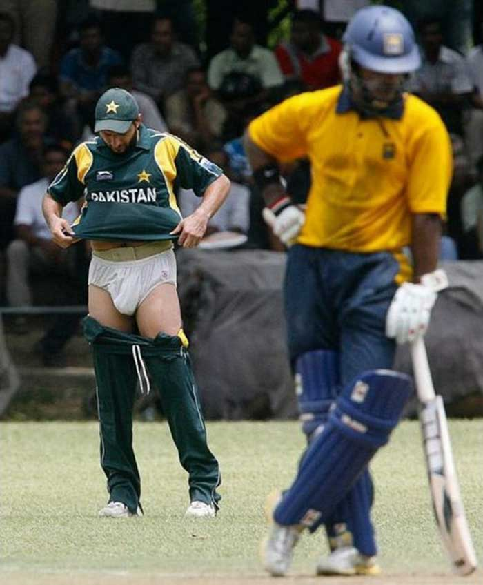 embarrassing pictures of cricketers