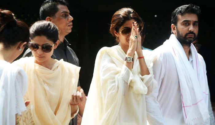 celebrities crying during funerals