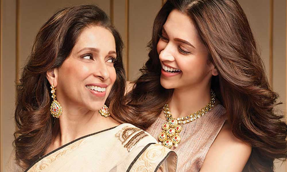 Bollywood daughters with their mothers
