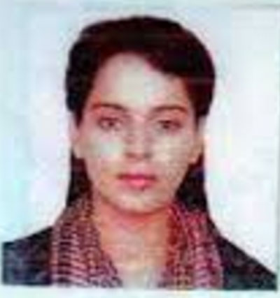 Passport size photos of bollywood celebs