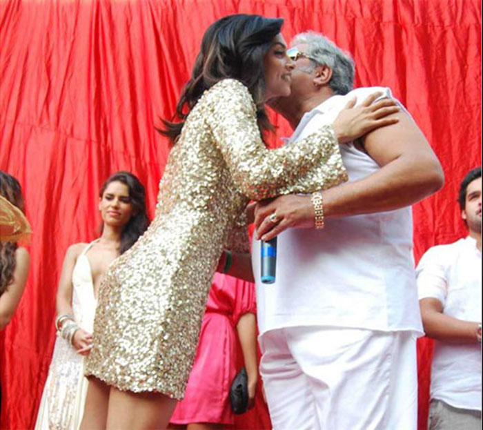 Cozy Moments Of Mallya