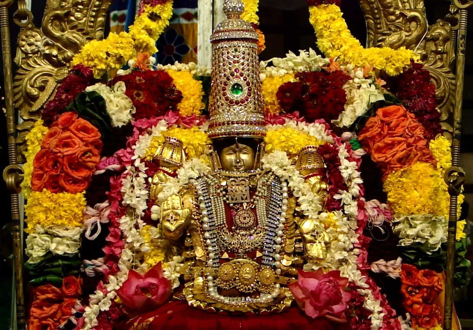100 crores temple decoration