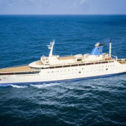 Mumbai Goa luxury cruise service